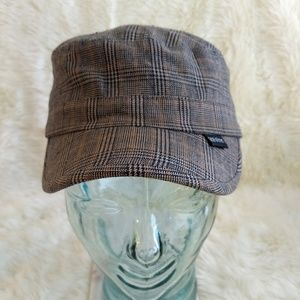 Peter Grimm Cabbie Hat Plaid Hounds Tooth